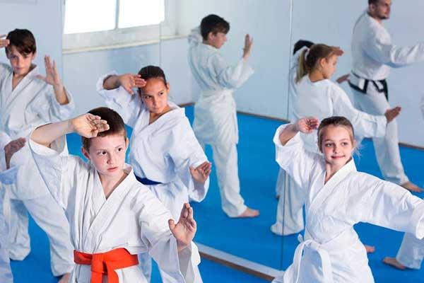 Obóz samoobrony i elementy sportów walki